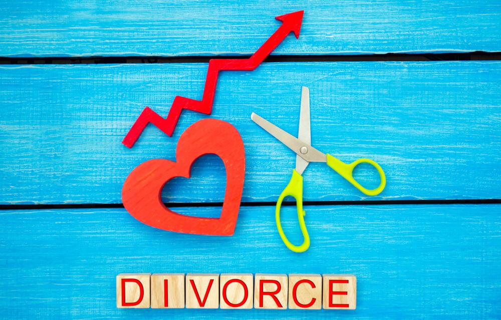 熟年離婚は増えている?また熟年離婚率は?