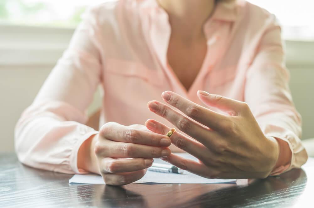 離婚後でも不倫慰謝料の請求は可能!しかし時効が問題となるケース