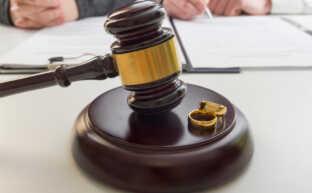 離婚届には証人が必要!証人を頼むときに知っておくべき6つのこと