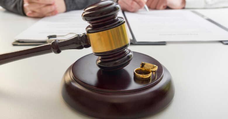 離婚届 証人