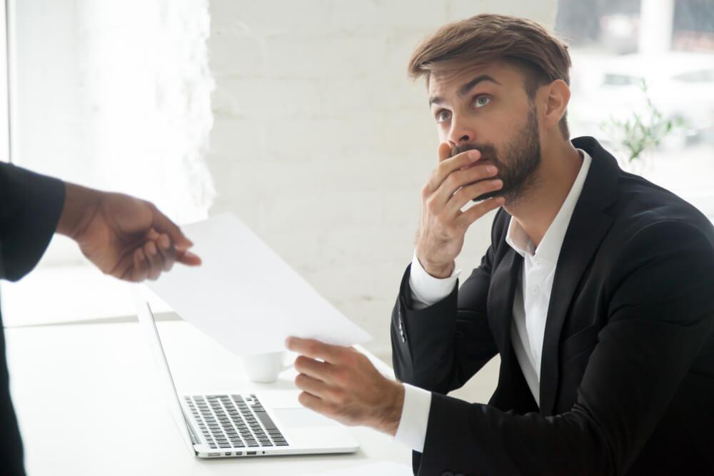 懲戒処分を避けて退職勧奨をする際の注意点3つ