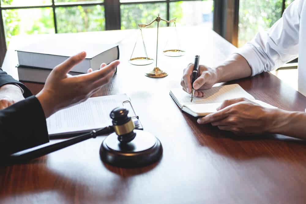 法的手段をとる際の注意点
