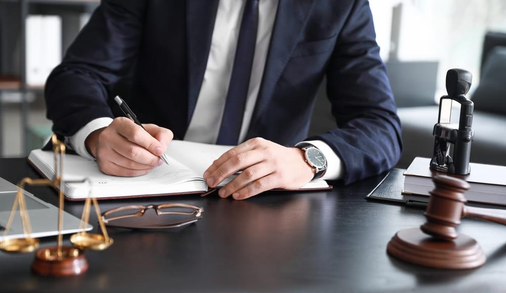 勾留請求や勾留を回避するには早期の弁護士への相談がカギ