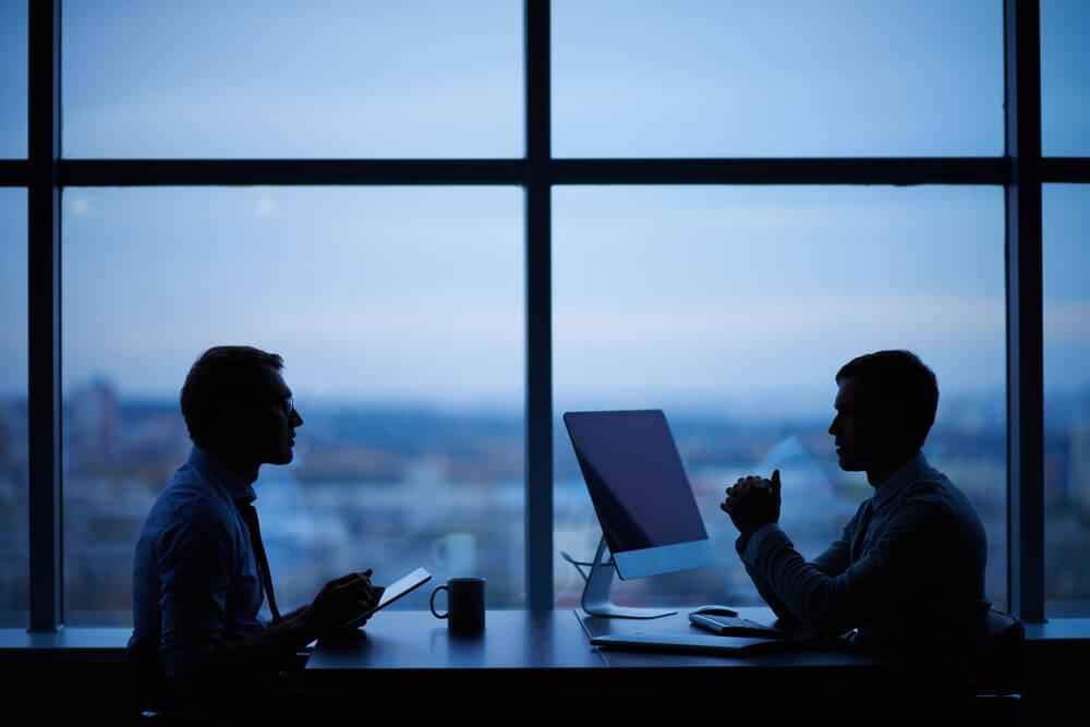 就業規則違反があったら、必ず関係者から事情を聴く