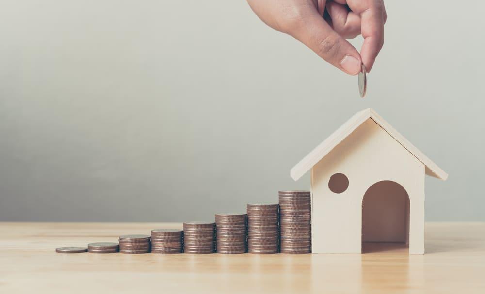 住宅ローンを組むのに保証人は必要か?