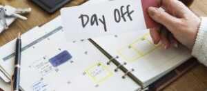 もし年間休日が105日以下ならあなたの会社は違法かもしれない?