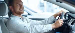 無免許事故の罰則や被害者への補償とは?無免許運転者が負う責任を解説